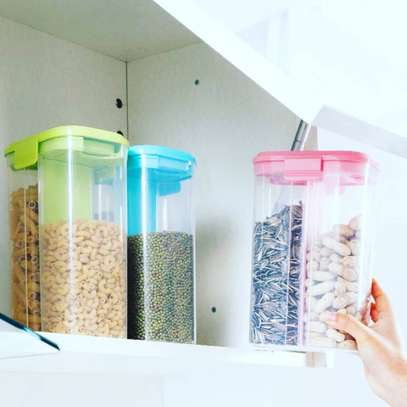 Cereals container