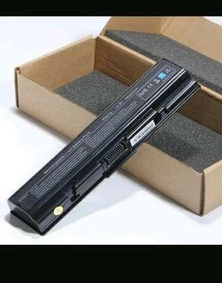 Laptop batteries,chargers,harddidks ànd memories image 1