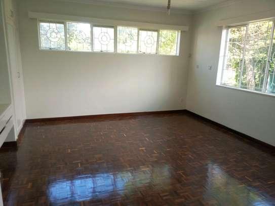 6 bedroom to let in kileleshwa image 13