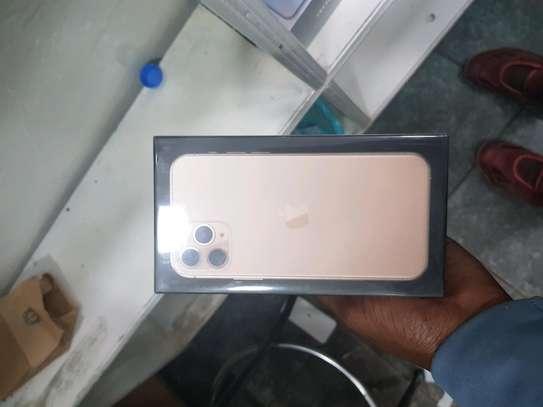 iphone 11 pro 256gb image 1