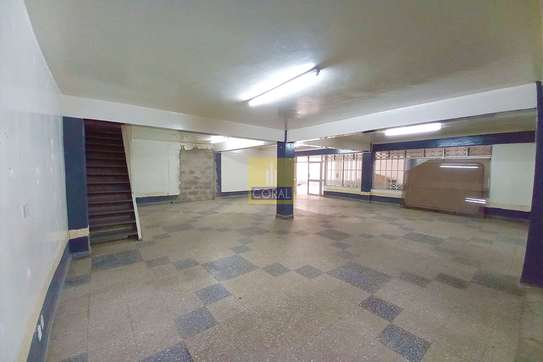2140 ft² shop for rent in Industrial Area image 1