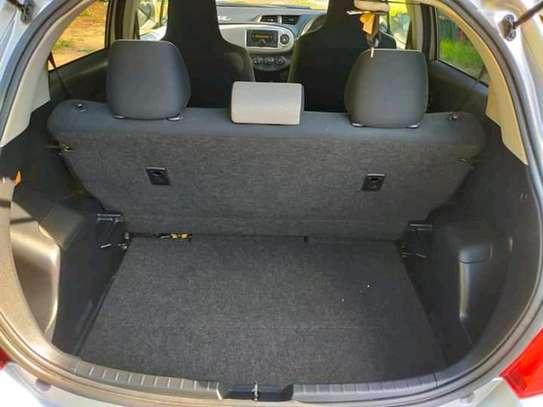 Toyota Vitz image 5