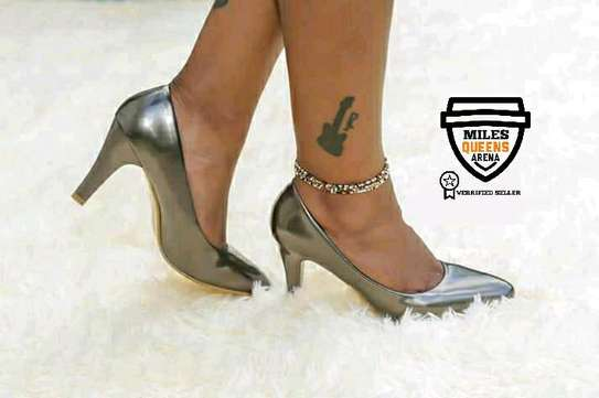 Shinny Official Heels image 3