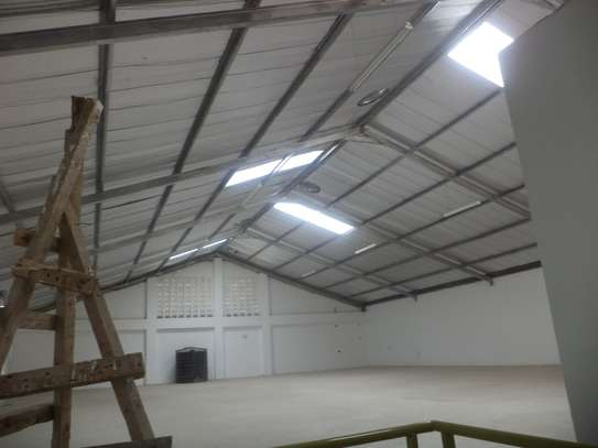10000 ft² warehouse for rent in Juja image 4