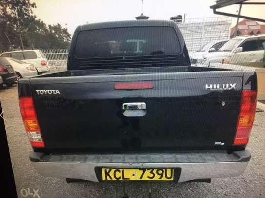 Toyota hilux double cab d4d diesel image 3