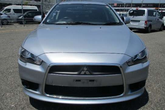 Mitsubishi Galant Fortis image 3