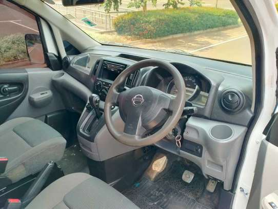 Nissan NV200 image 9