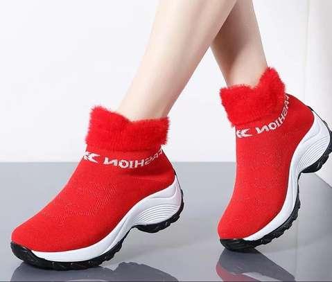 Fashionable ladies sneakers image 1
