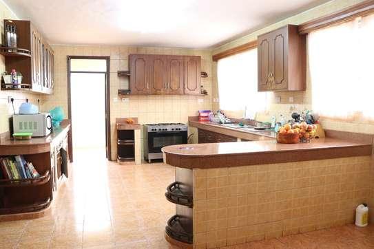 5 bedroom house for rent in Runda image 8