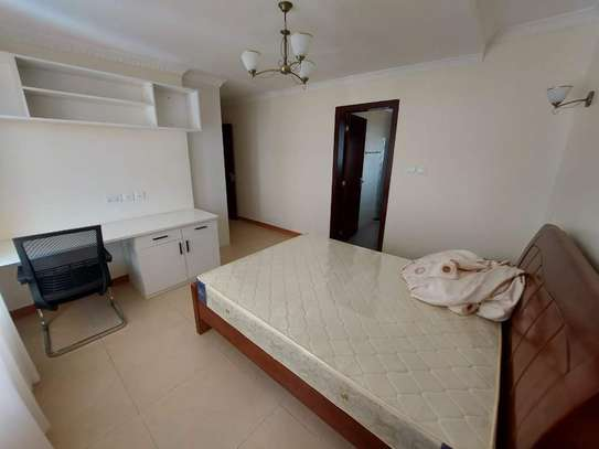 4 bedroom apartment for rent in Ruaka image 11