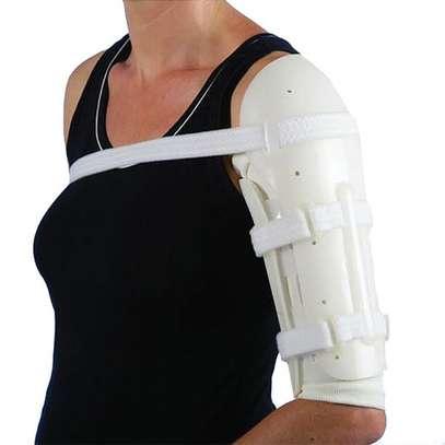 Sarmiento humeral fracture brace