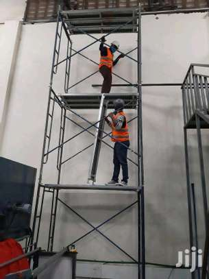 Scaffolding ladders for sale and hire image 2