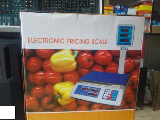 Digital weighing scale suitable for butcheries,food,fruits,cereal shops,markets,farmers 50kg image 1