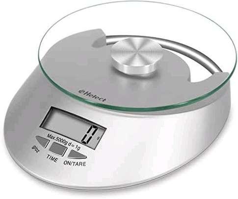 Digital kitchen scale image 1