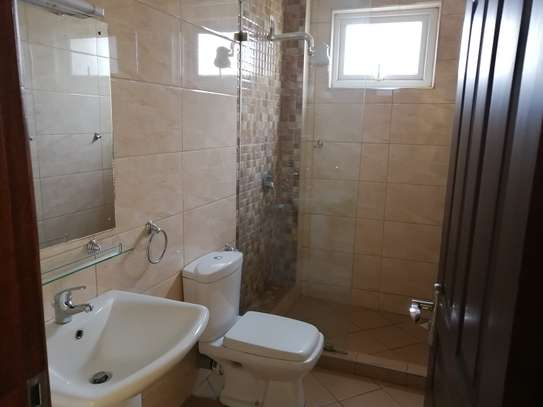 2 bedroom apartment for rent in Brookside image 12