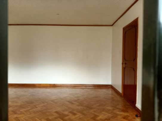commercial property for rent in Gigiri image 7