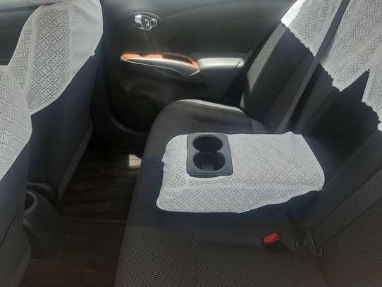 Nissan Tiida Latio image 6