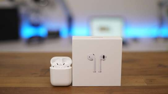 Apple MMEF2AM/A AirPods Wireless Bluetooth Headset for iPhones with iOS 10 or Later White image 2