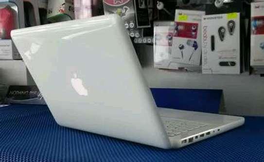 Apple MacBook Flashy White image 1