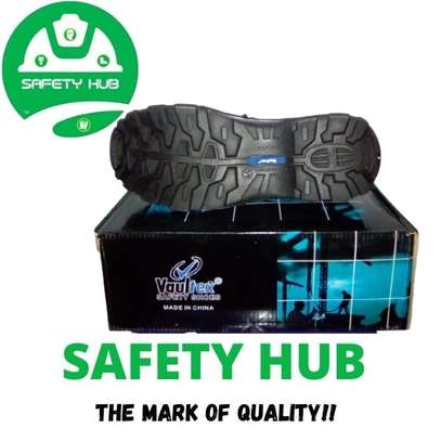 Vaultex industrial safety boots image 3
