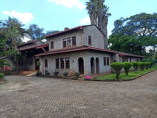 5 bedroom house for rent in Old Muthaiga image 5