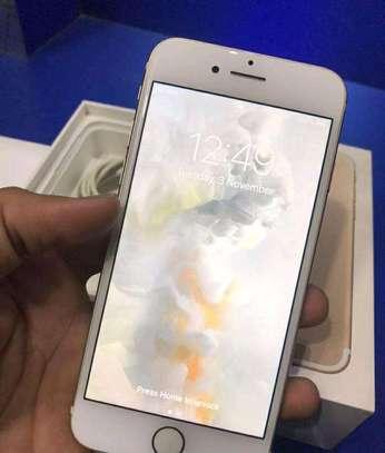 Apple Iphone 7 Gold 256gb Under International Warranty image 5