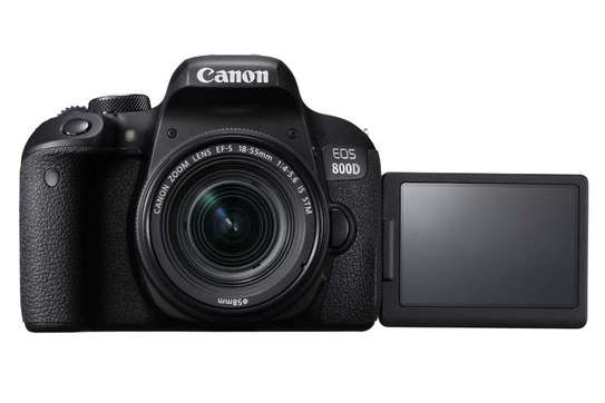 Canon eos 800D with 18-55mm kit lens