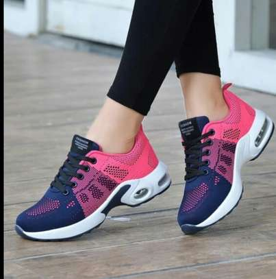 Comfy fashion sneakers image 2