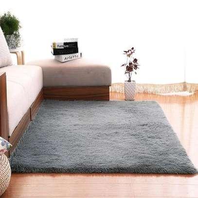 Grey fluffy carpet image 1