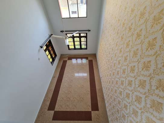 4 bedroom house for rent in Nyali Area image 14