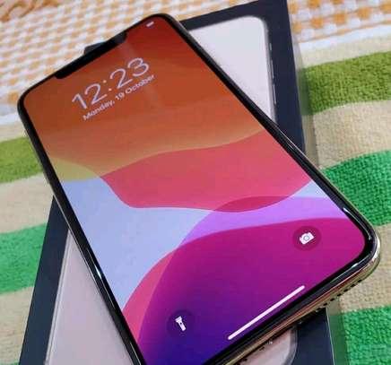 Apple Iphone 11 Pro Max Gold 512 gb Under International Warranty image 1