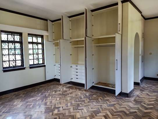 5 bedroom house for rent in Old Muthaiga image 10