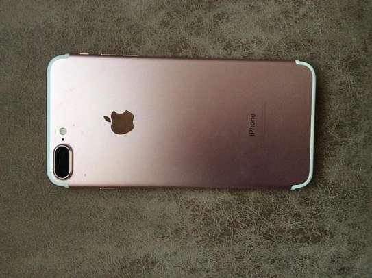 iphone 7 plus image 2