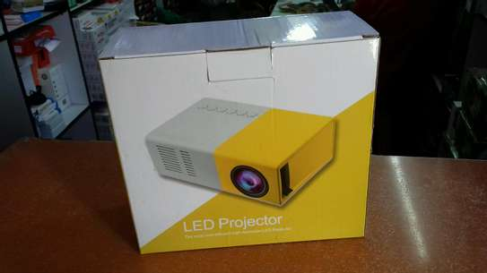 Led projector image 1