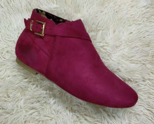 Flat suede Ankle boots image 7