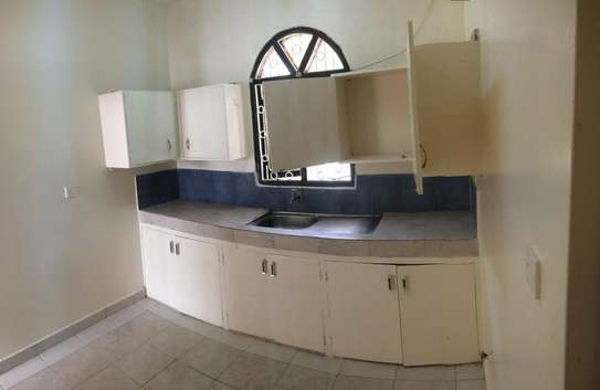 2br House for Rent in Nyali.HR11-NYALI image 2