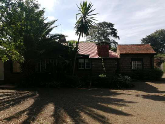 Three bedroom bungalow with dsq in karen image 9