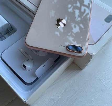 Iphone 8 plus *Gold* *256gb* image 4
