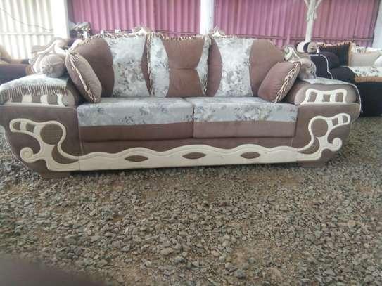 Quality sofa set 7 seater image 1