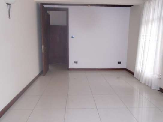 5 bedroom house for rent in Runda image 15
