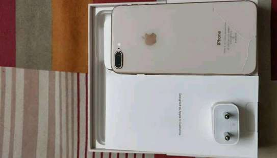 Apple Iphone 8 Plus ¤ 256 Gigabytes Gold  And Wireless Charger image 2