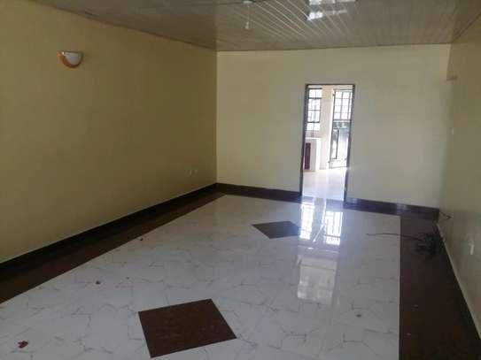 3 Bedroom all ensiute bungalow in Karen to let image 4