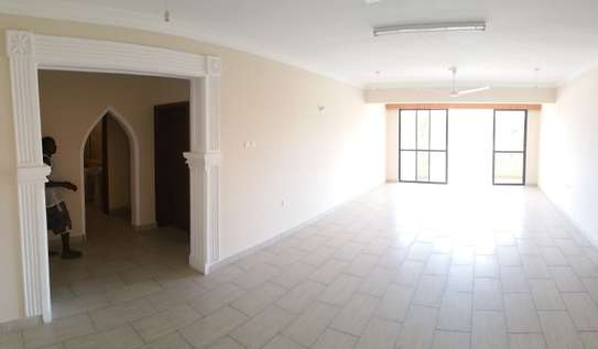 3br penthouse apartment for rent in old Nyali. Id 2105 image 6