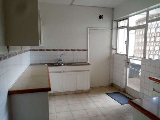 State House - Flat & Apartment image 11