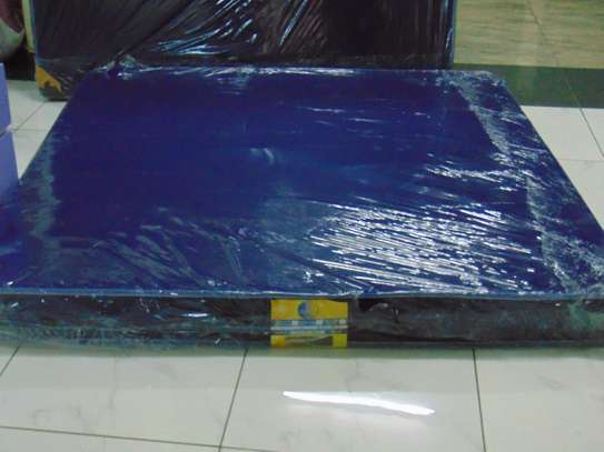 5*6*8 HEAVY DUTY BLUE MATTRESS(FREE HOME DELIVERIES) image 2