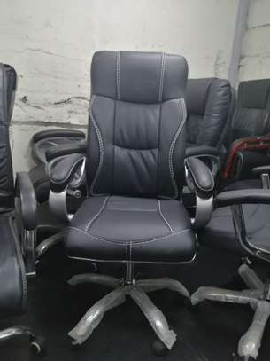High back executive office seat image 5