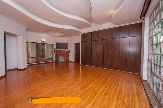 6 bedroom townhouse for rent in Nyari image 7