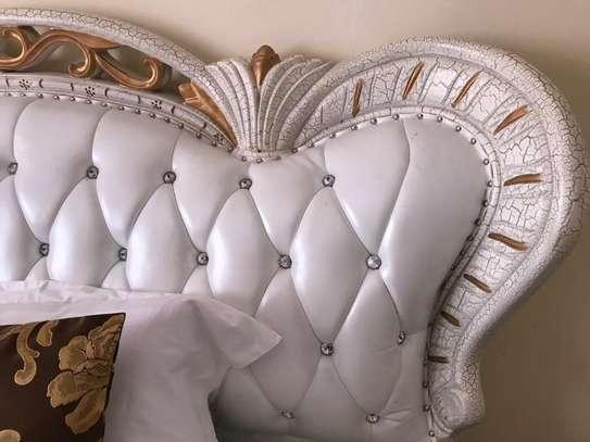 Queen Elizabeth Elegant Leather White Bed image 5