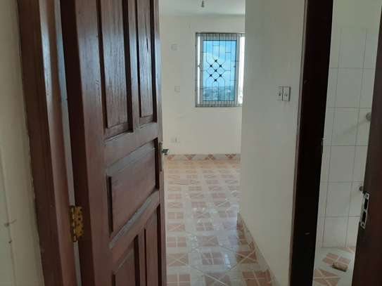 4 bedroom townhouse for rent in Nyali Area image 15