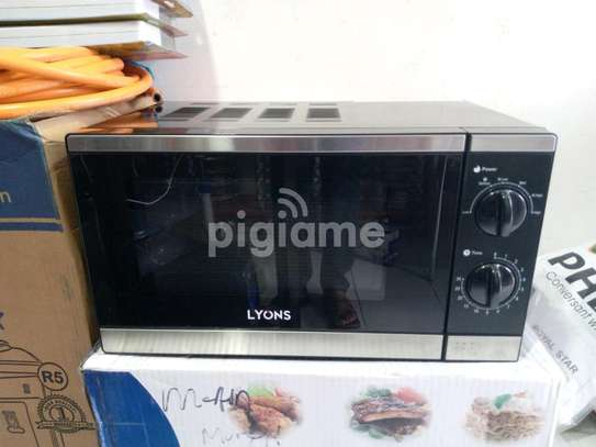Lyons Microwave Oven 20L. image 3